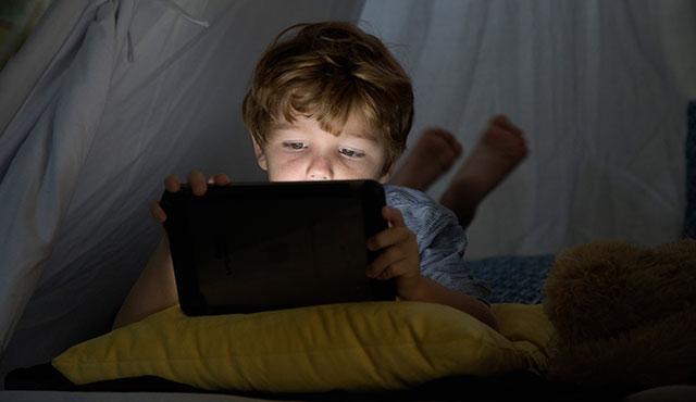 Dijital Medya Çocuğun Gelişimini Nasıl Etkiler?