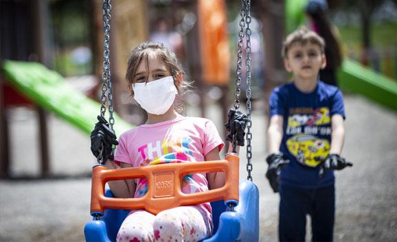 Hangi Yaştaki Çocuklar Maske Takmalı?